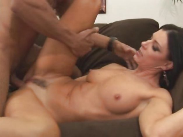 India Summers gets her hot wet MILF fuck hole licked and plunged with man meat