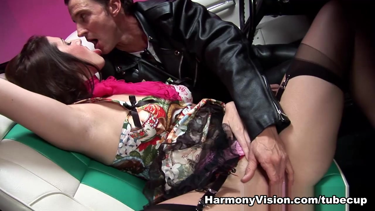 Paige Turnah & Rebecca More in Rollercoaster Ride Of Pure Lust – HarmonyVision