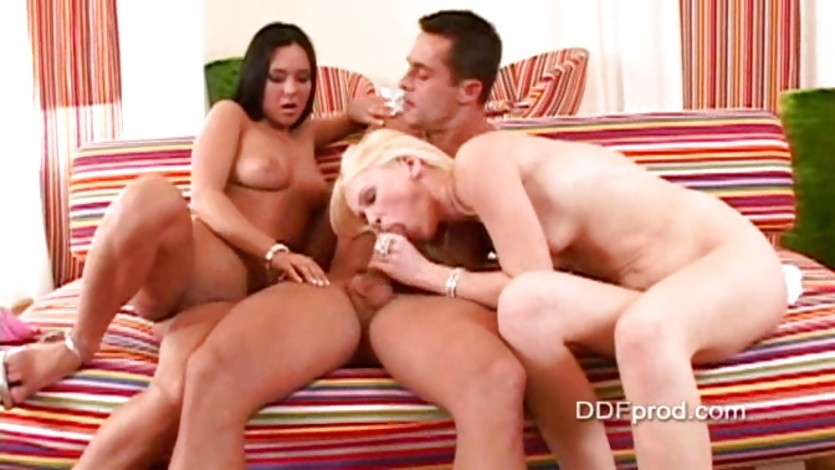 Bitchy babe Valentina Velasques doing deep throat sucking cock with friends